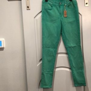 American Eagle green leggings jeans. NWT!